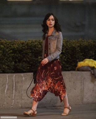 lily-collins-love-rosie-movie-set-toronto-pic131981