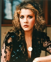 Stevie-Nicks-stevie-nicks-21189987-2085-2560
